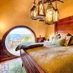 Hobbit ev Gecelik