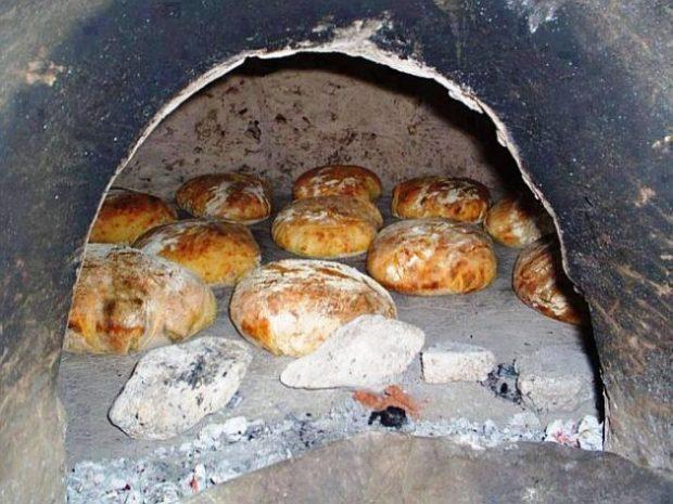 Yağlı Salçalı Ekmek