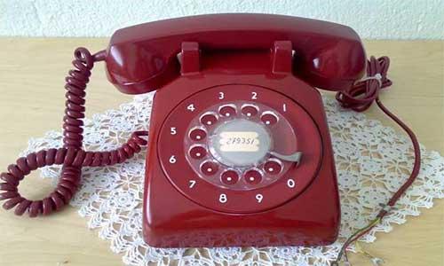 Artık Çok Az Kişi Çevirmeli Telefon Kullanıyor